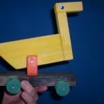 Tier auf Rädern Bastelidee aus Holz für Kinder