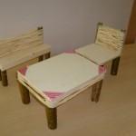 Tisch, Stuhl, Bank Bastelanleitung für Kinder Puppenmöbel
