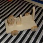 Holzauto Bastelidee für Kinder