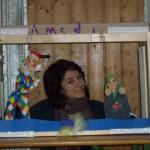 Kindertheater Kinder basteln mit Holz und entwerfen ihr eigenes Kinderspielzeug