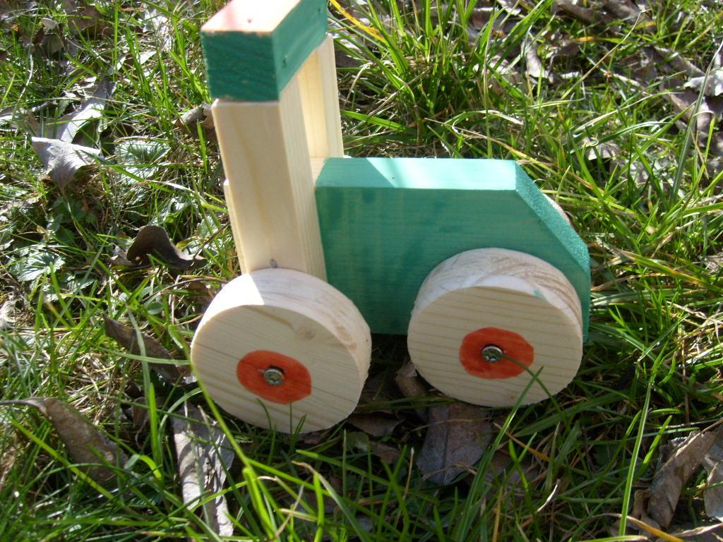Bastelanleitung Holztraktor Kindergarten
