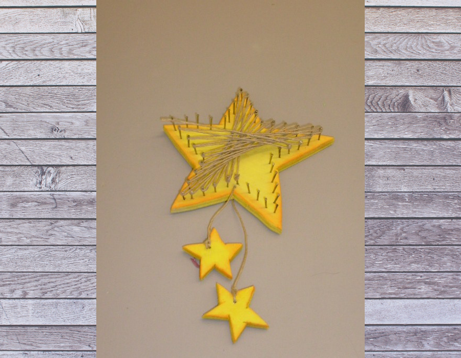 Kinder basteln Weihnachten Sternenanhänger